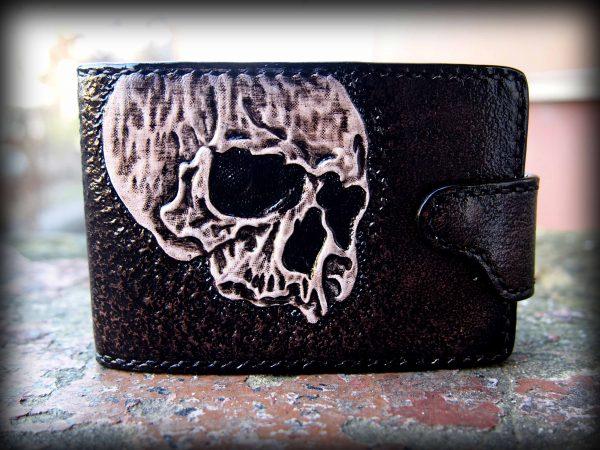 кожаная карманная визитница с черепом фото