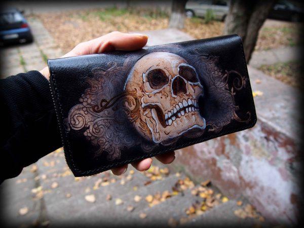 кожаный кошелек с рисунком черепа фото 1