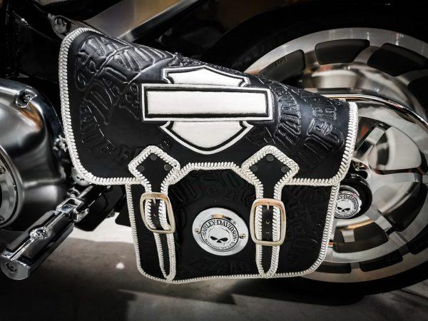 кожаный боковой кофр на мотоцикл Harley Davidson 19