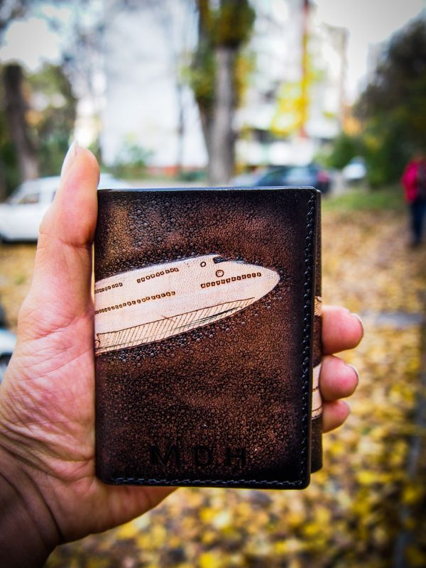 кожаный компактный кошелек тройного сложения с самолетом фото 17