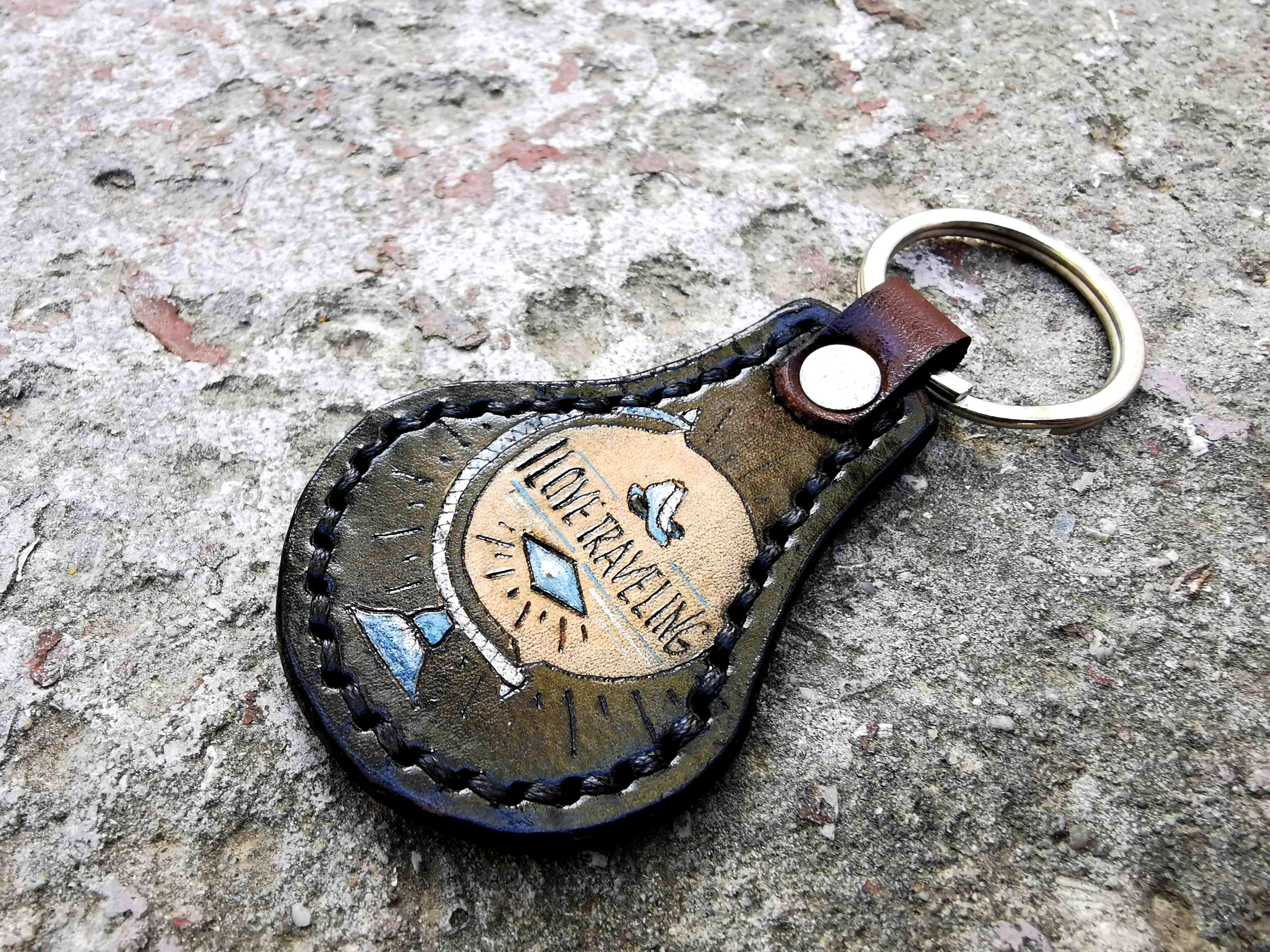 кожаный брелок с глобусом фото 3