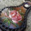 кожаный брелок с пионом фото 1