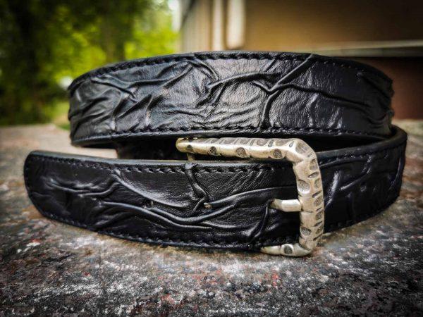 Черный кожаный ремень фото