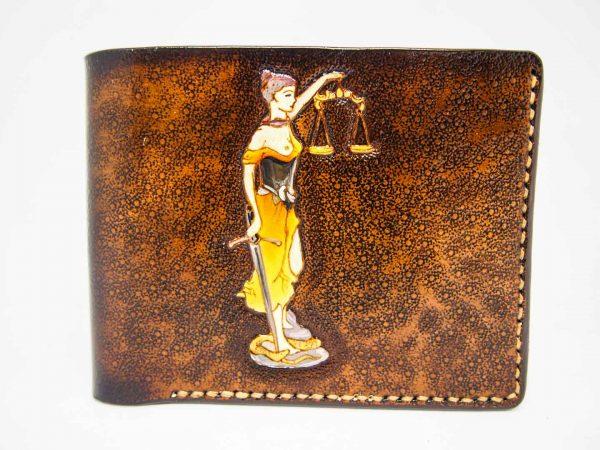 Кожаный компактный кошелек фемида и джокер фото