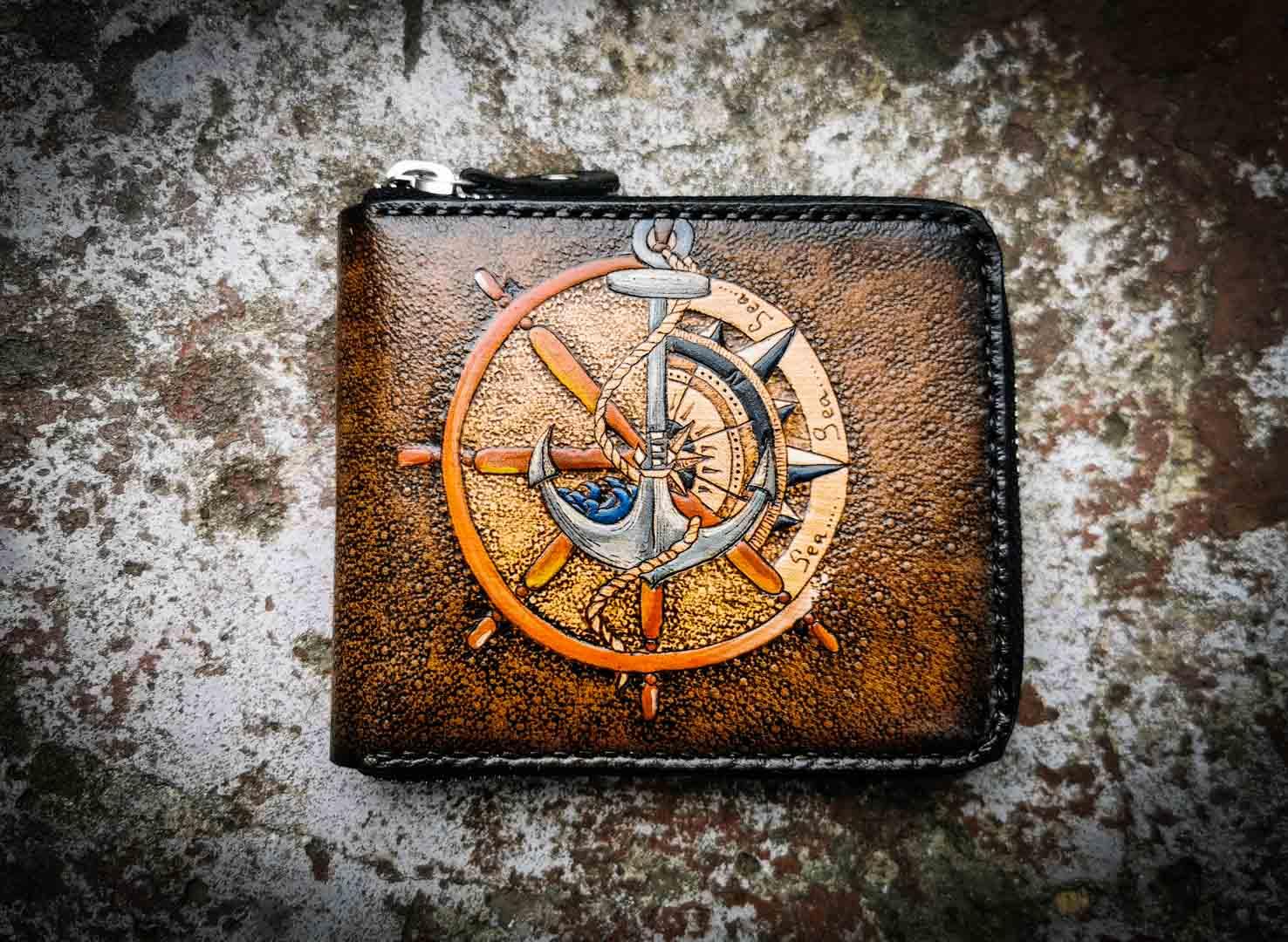 Кожаный кошелек на молнии с якорем фото